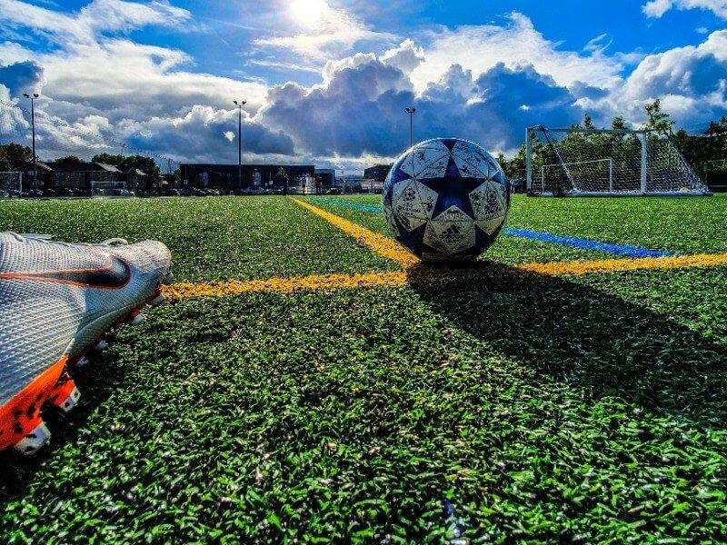 Afbeelding voetbalschoenen voor middenvelders