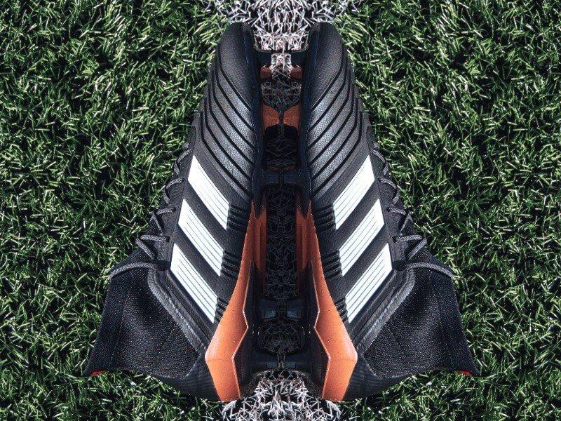 Goedkope voetbalschoenen vs dure voetbalschoenen afbeelding